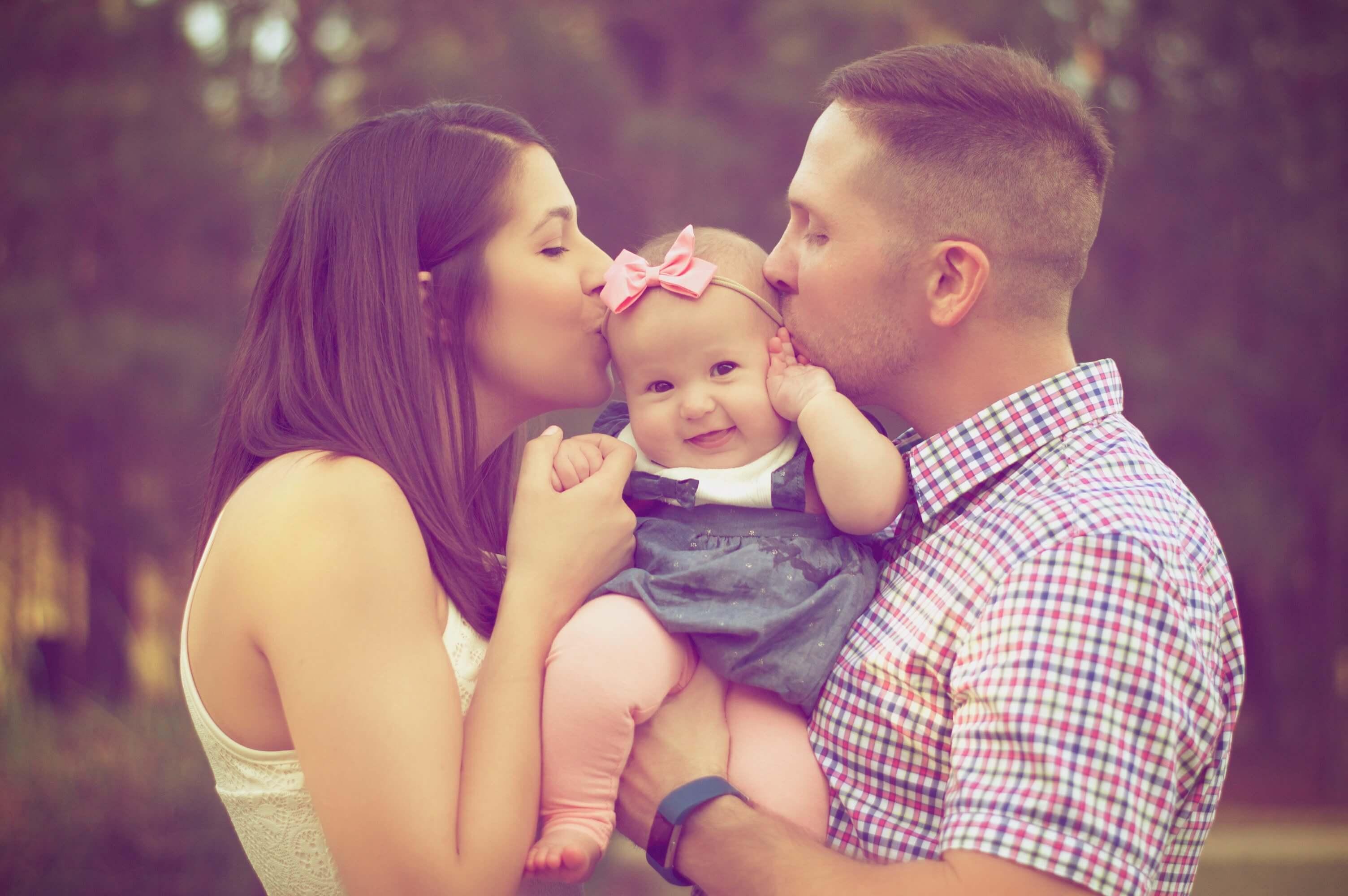 Kusje-kind-ouders